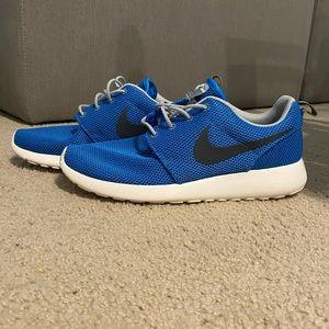 Nike Roshe Run Blue Size 9.5